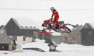 motoslitta salto